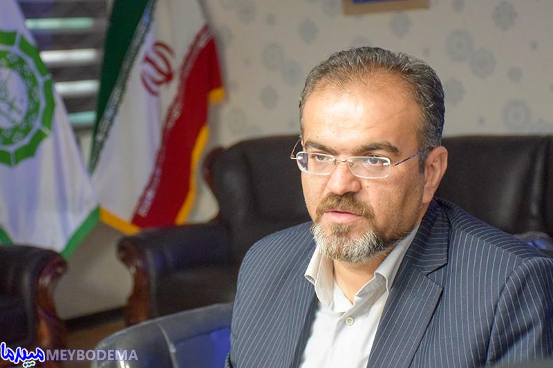 قطع تعدادی از درختان جهت بهسازی خیابان امام خمینی(ره) و عقبنشینی پیادهروها