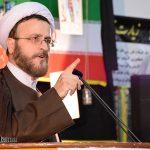 هیئت های عزاداری باید مهد سیاست دینی و اسلامی باشند/ تا وقتی که پرچم امام حسین برافراشته است دشمن هیچ غلطی نمی تواند بکند
