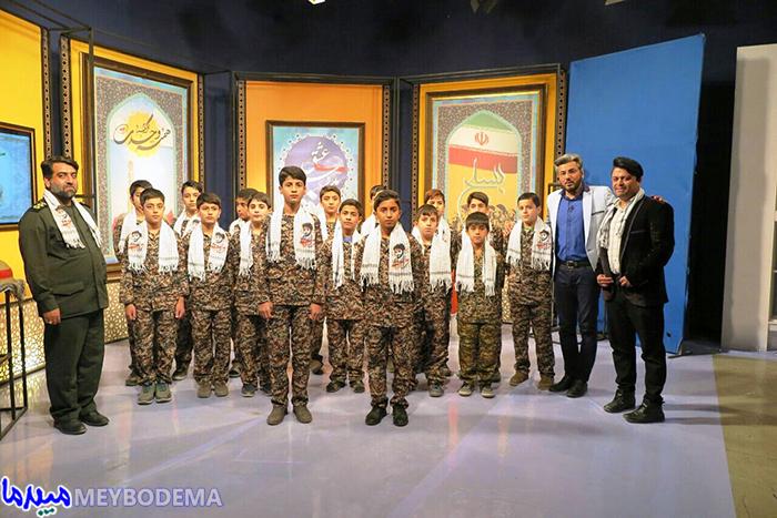 تصویر/ نوجوانان عاشورایی میبد در برنامه زنده شبکه تابان