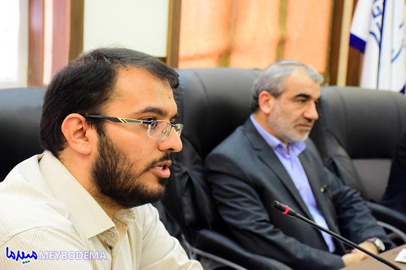 دشمن در جهت نرمالیزاسیون ایران، شورای نگهبان را تخریب میکند