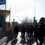 فیلم/ تجمع اعتراضی جمعی از نانوایان میبدی در مقابل فرمانداری