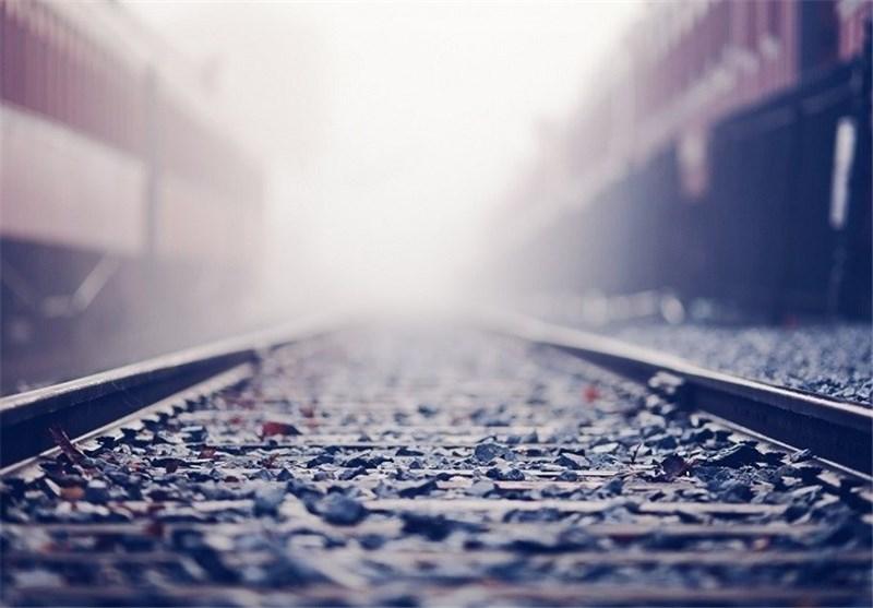 تاخیر ۳ ماهه  در پرداخت حقوق کارکنان پروژه ملی راهآهن بافق-زرینشهر