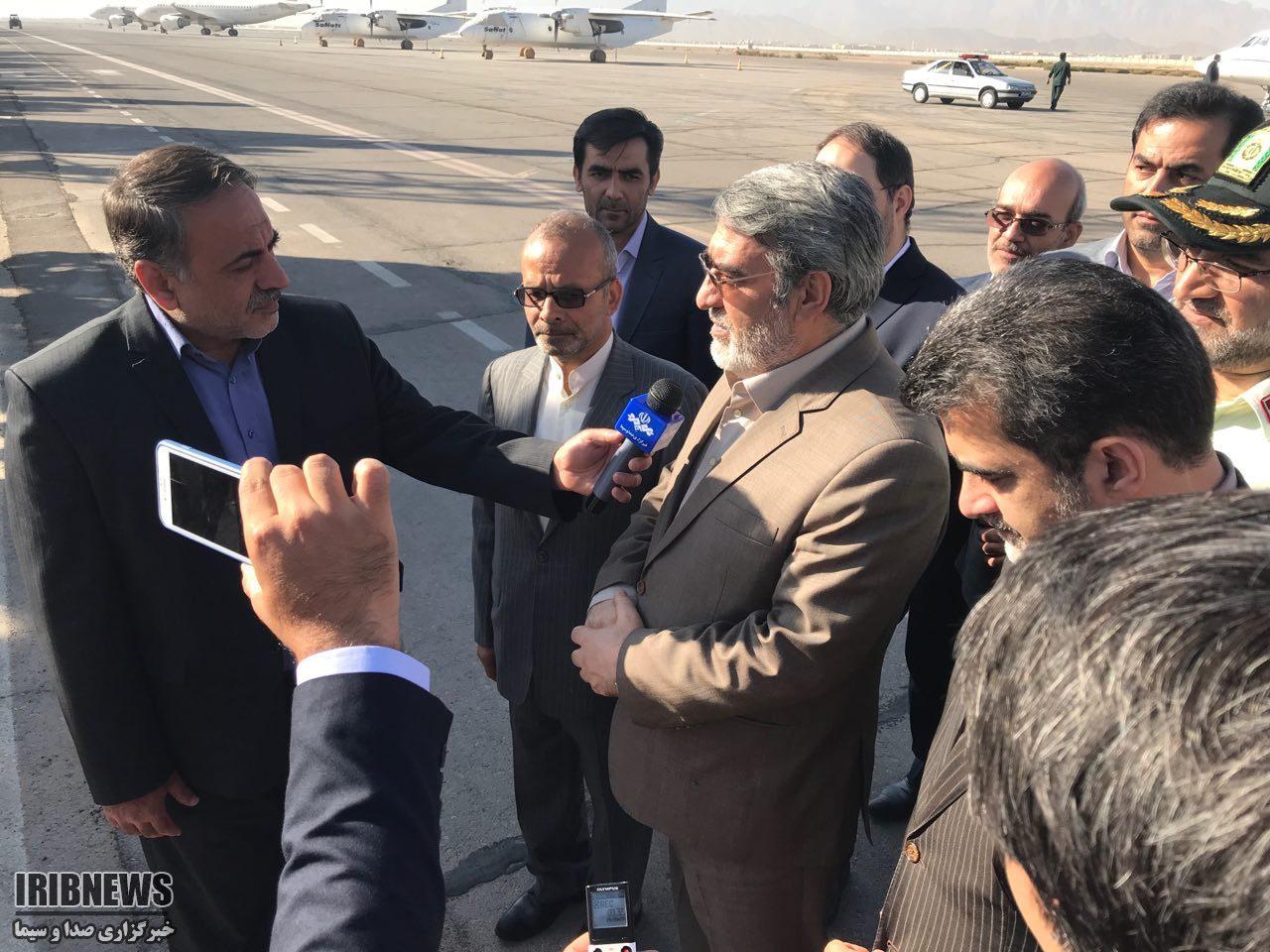 وزیر کشور وارد یزد شد +عکس