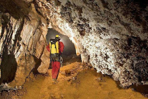 ممنوعیت فعالیتهای معدنی در محدوده غار سلغون