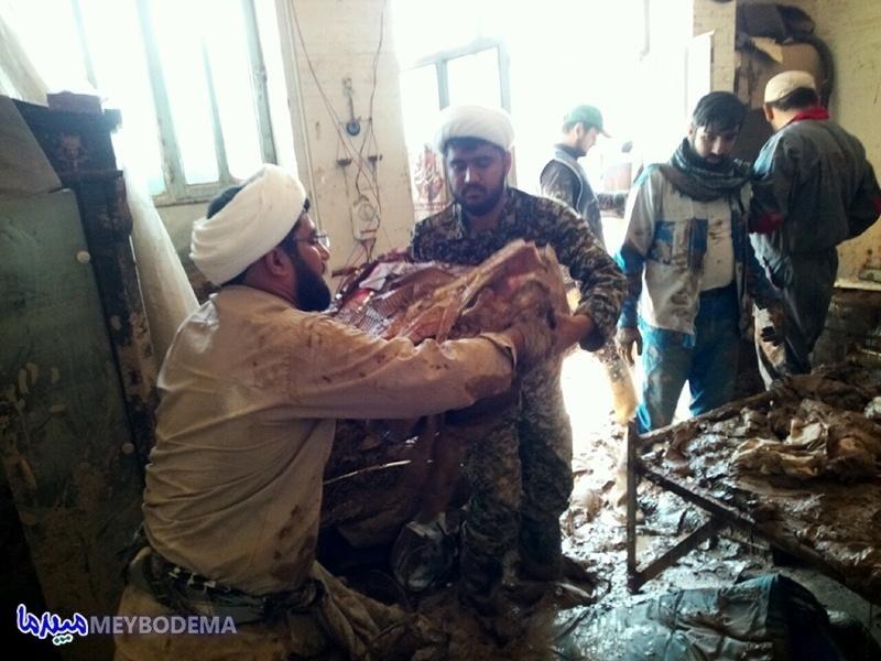 گزارش تصویری از فعالیت طلاب اردکانی در منطقه سیل زده پلدختر