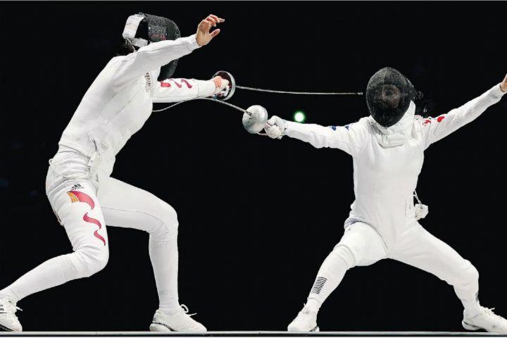 رقابت بهترین شمشیربازان ایران در یزد