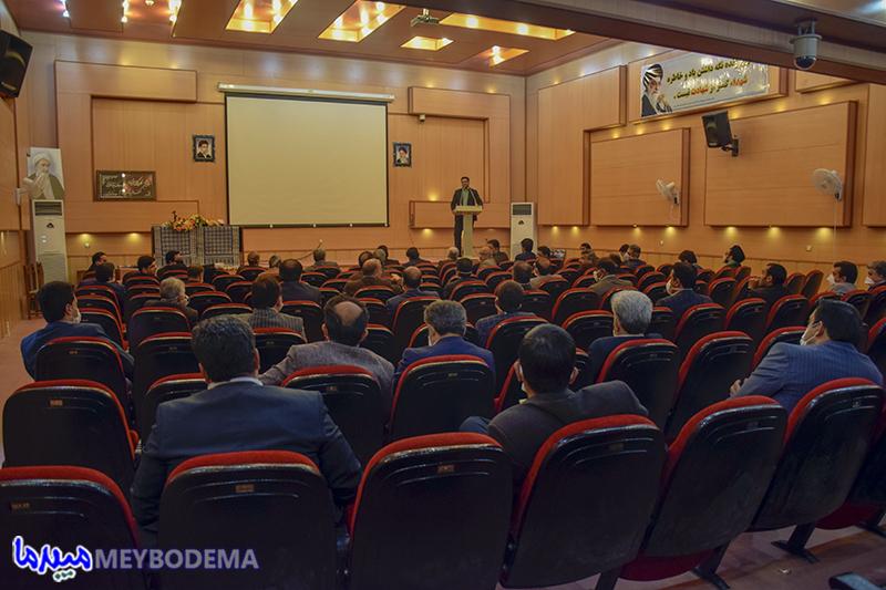 گزارش تصویری از نشست مدیران صنایع با اعضای شورای تامین شهرستان میبد
