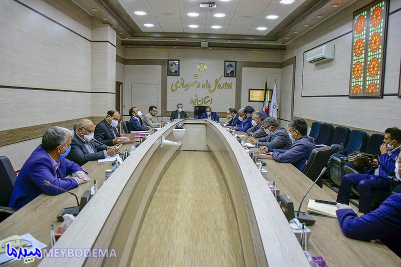 فیلم و عکس/ مسئولین میبدی با مدیرکل راه و شهرسازی استان یزد دیدار و گفتگو کردند