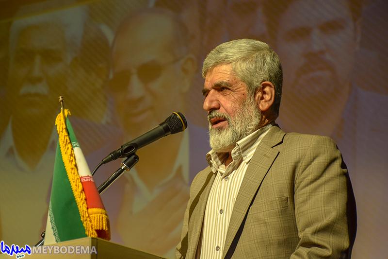 گزارش تصویری از حضور پدر شهید هستهای در شهرستان میبد