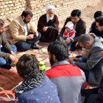 دیدار اعضای جبهه فرهنگی میبد از خانواده کودک کشته شده در حمله سگ های ولگرد+ تصاویر