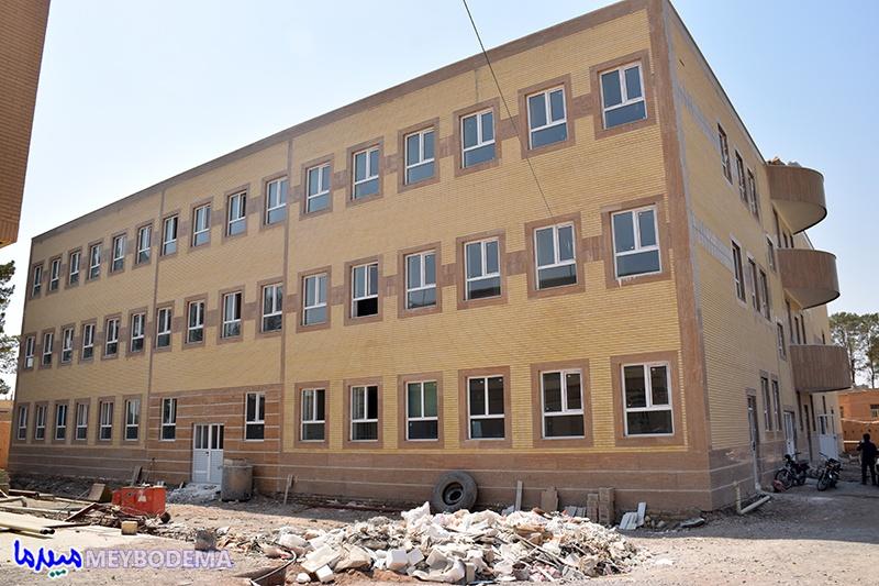 علت به سرانجام نرسیدن پروژه خوابگاه دانشجویی دانشکده علوم قرآنی میبد در گفتگو با معاون بهره وری اقتصادی سازمان اوقاف و امور خیریه