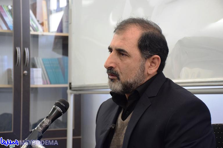 گزارش تصویری از جلسه فعالین فرهنگی میبد با دکتر محمد فنائی اشکوری
