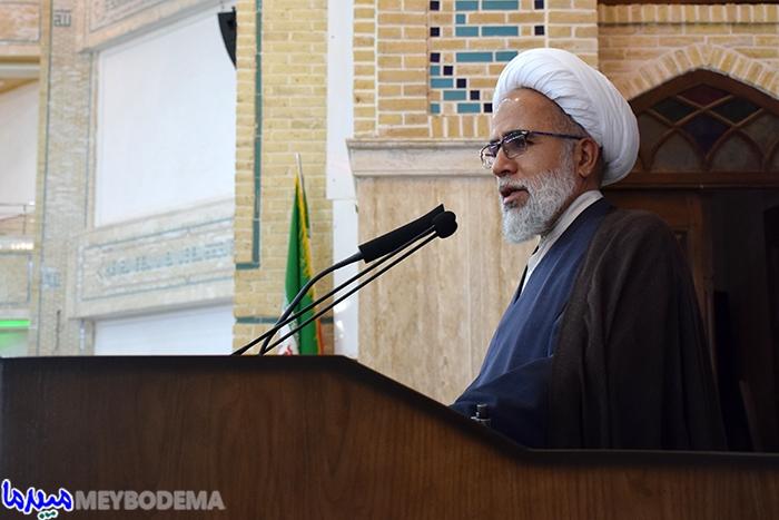 کسانی که در امور اقتصادی کشور اخلال می کنند مصداق مفسد فی الارض هستند/ تصاویر نماز جمعه