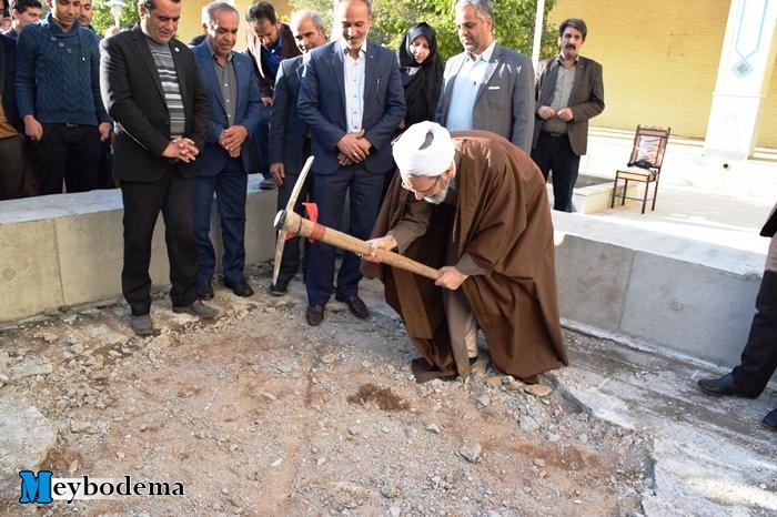گزارش تصویری از مراسم معنوی آماده سازی محل تدفین شهید گمنام دانشکده علوم قرآنی میبد
