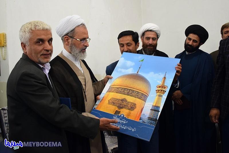 تصاویر/ دیدار اعضای ستاد خادمیاری آستان قدس رضوی با امام جمعه و فرماندار میبد