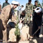 گزارش تصویری از برگزاری آئین روز درختکاری با حضور مسئولین، بسیجیان و دانش آموزان