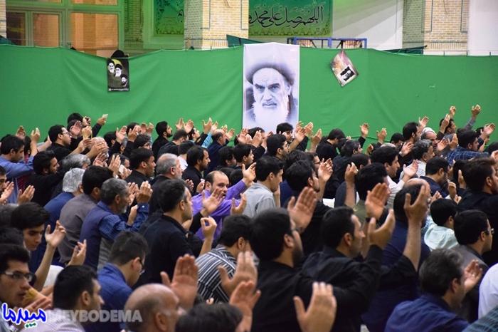 عکس/ مراسم شب احیاء در مصلی آیت الله اعرافی