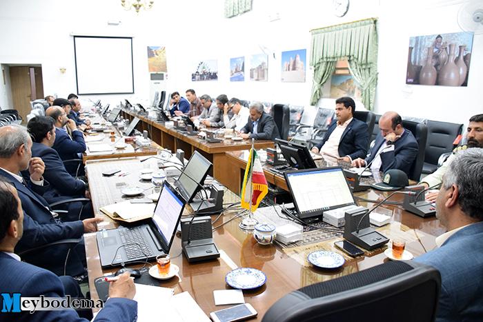 فرماندار میبد: هیاهوی ایجاد شده در بحث فاضلاب تخصصی نیست/ شهردار میبد: بحث کمبود آب جدی است و باید مدیریت بیشتری صورت گیرد