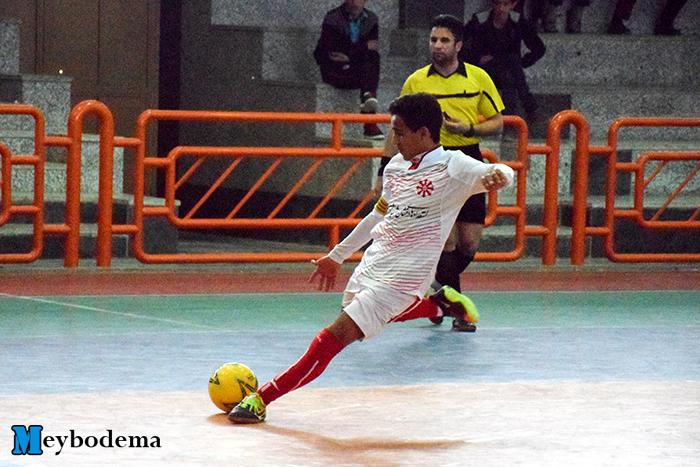 گزارش تصویری از مسابقات فوتسال پسران مقطع متوسطه اول استان یزد در میبد/ تیم شهید ذوالفقاری میبد سوم شد