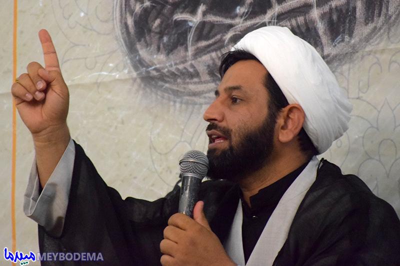 شهدا مظهر توحیدند/ یکی از سران فتنه با سکوتش، نامردی و بی انصافی را در حق نظام اسلامی کامل کرد