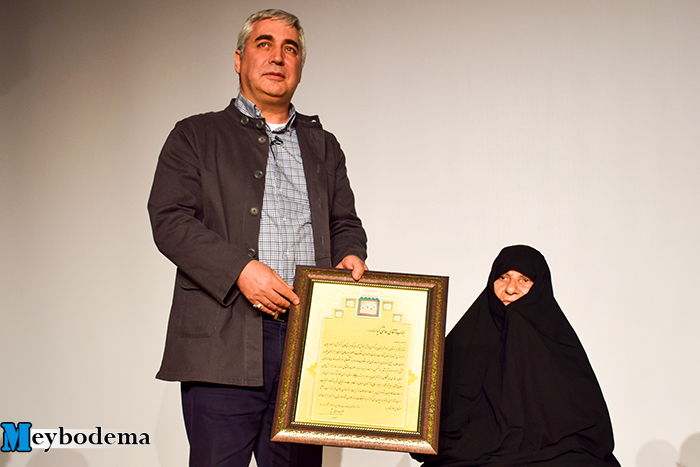 گزارش تصویری از حضور ابراهیم حاتمی کیا در اکران مردمی فیلم به وقت شام در سینما نگار شهیدیه