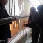 اتمام بافت قالی اهدایی بانوان محله علی آباد میبد به عتبات عالیات/ اسدی: ۱۰۰ نفر از بانوان میبدی در ۸ محله، برای عتباتعالیات قالیبافی می کنند