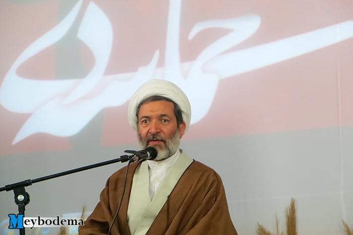 انقلاب اسلامی ایران به نوعی در دنیا ریشه دوانده است که به همین سادگی امکان براندازی آن وجود ندارد