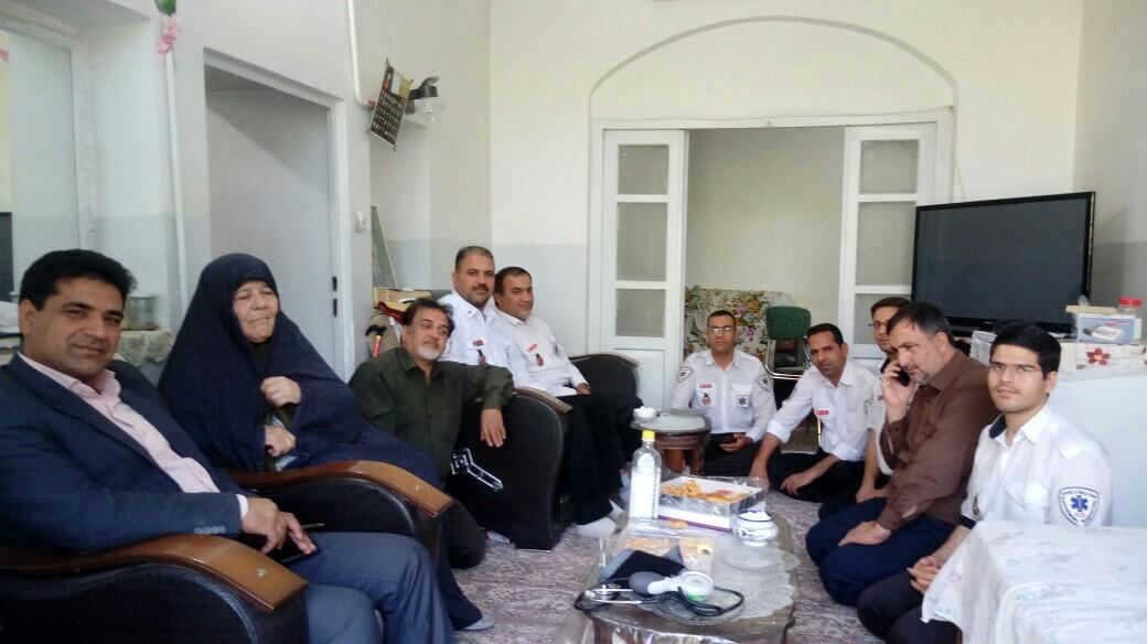 دیدار کارکنان حوزهبهداشت با خانواده شهید ایرباس