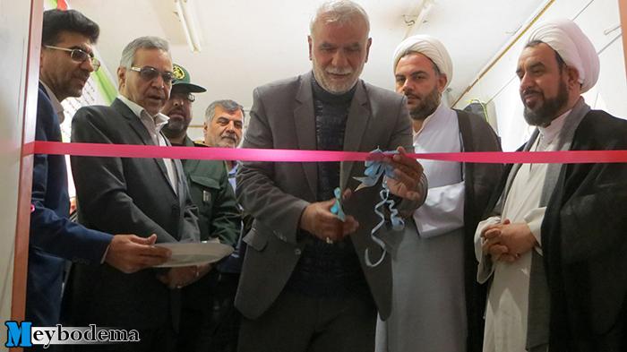 📸تصاویر/ افتتاح نمایشگاه نقاشی در فرهنگسرایمیبد