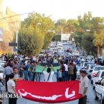 گزارش تصویری/ میبد، سرمست از بوی حرم های کربلا و مشهد/ جولان پرچم های سه گنبد طلایی در خیابان های شهر