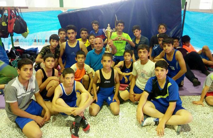 کشتیگیران نونهال میبدی در مسابقات تدارکاتی مازندران نائب قهرمان شدند