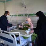 گزارش تصویری از توزیع غذای متبرک در بیمارستان میبد