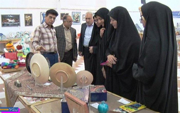 افتتاح نمایشگاه صنایعدستی و هنری میبد