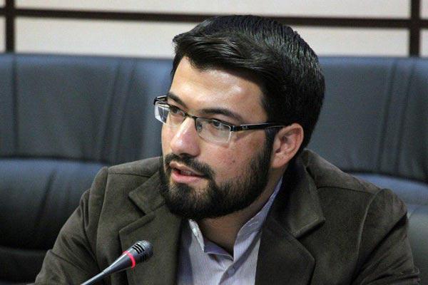 احسان عابدی:کتابنخوانی یک مسئله عام در کشور است